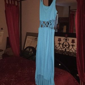 Dresses & Skirts - Dress hi/low